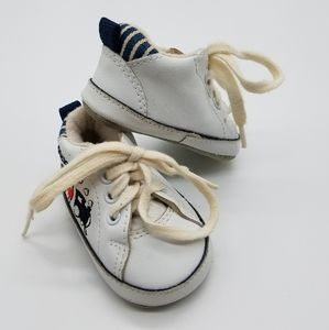 Oshkosh train tie shoes